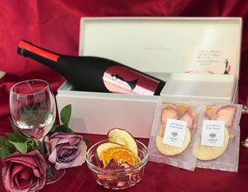 輝く女性のために贈る日本酒ギフト(ドライフルーツセット)