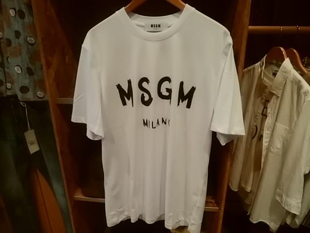 MSGMのカットソー、こちらは残りMサイズのみ!